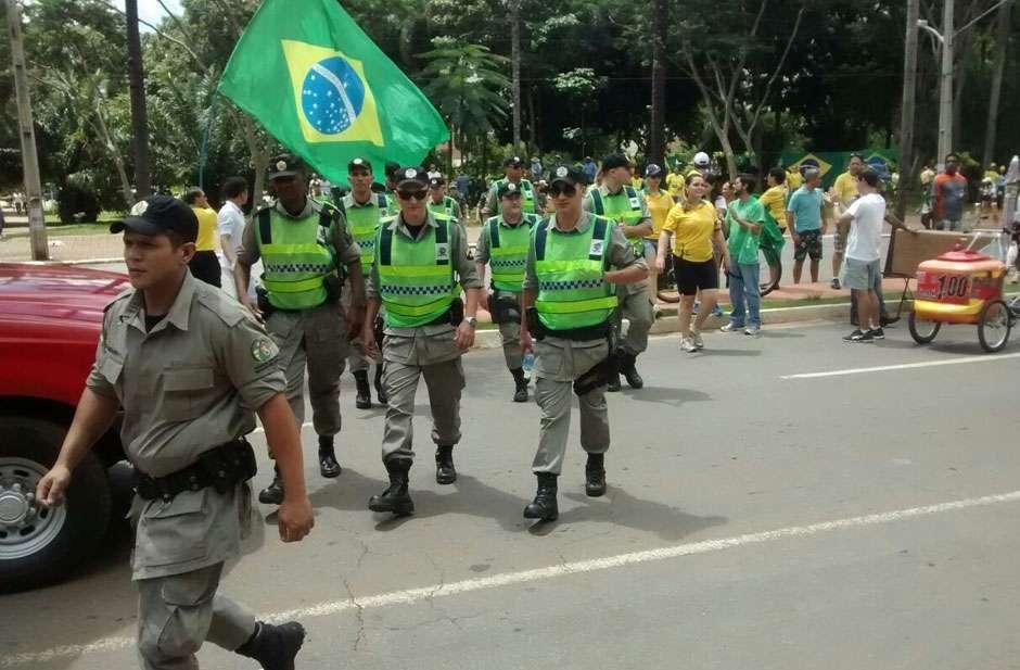 José Eliton destaca profissionalismo das forças  de segurança nas manifestações