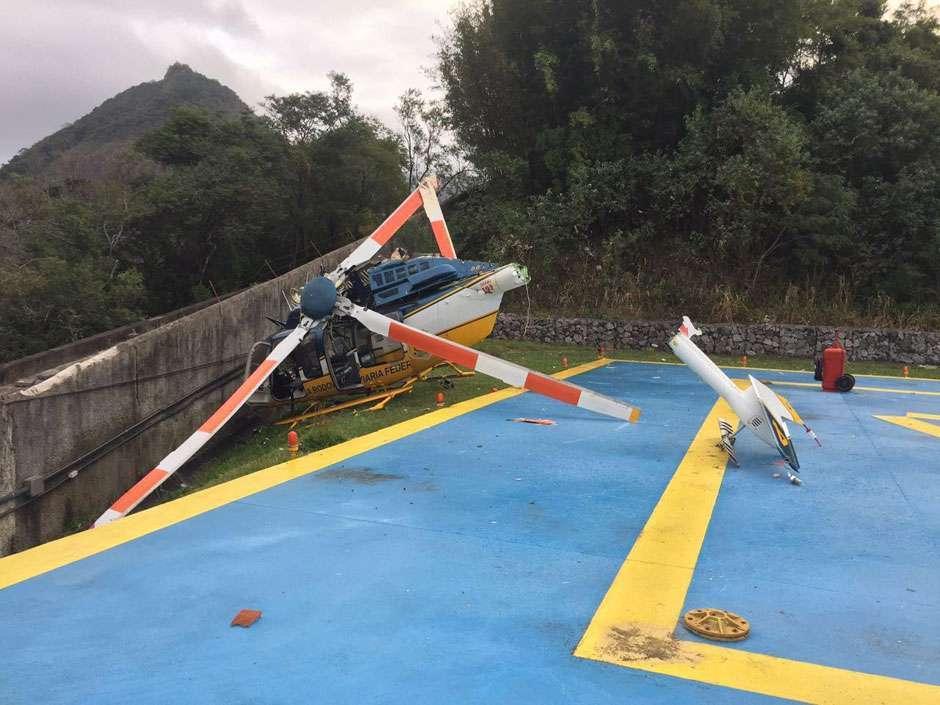 Helicóptero cai no Rio; ocupantes não se feriram