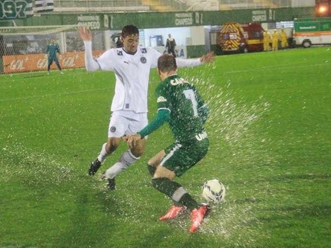 Goiás empata com Chapecoense em 0 a 0