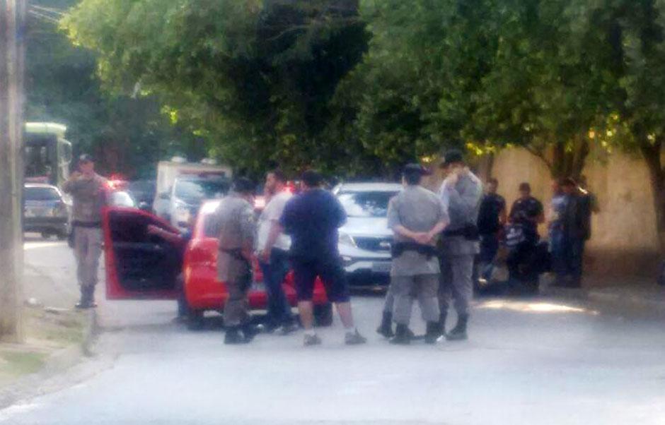 Homem morre em troca de tiros com a PM no Jardim Santo Antônio, em Goiânia
