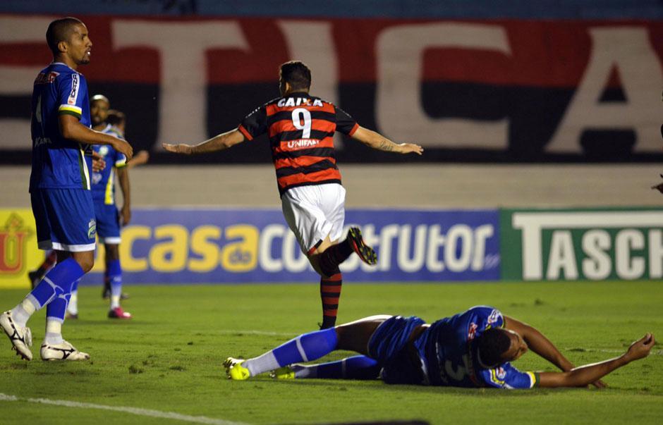 Atlético-GO derrota Luverdense e passa o Vasco na liderança da Série B