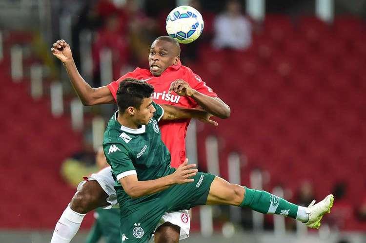 Com time reserva, Inter aproveita falhas de Renan e vence o Goiás no Beira-Rio