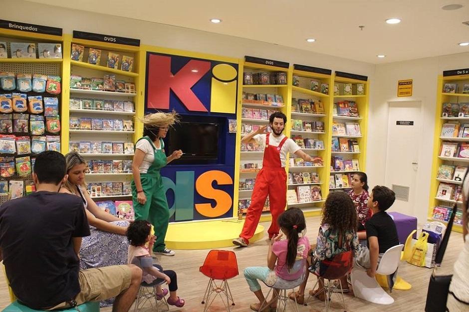 Biblioteca Municipal Marieta Telles tem contações de história e espetáculos