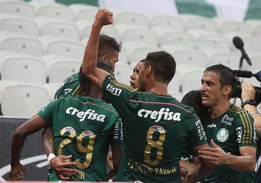 Nos pênaltis, Palmeiras vence o Corinthians e vai à final do Paulista