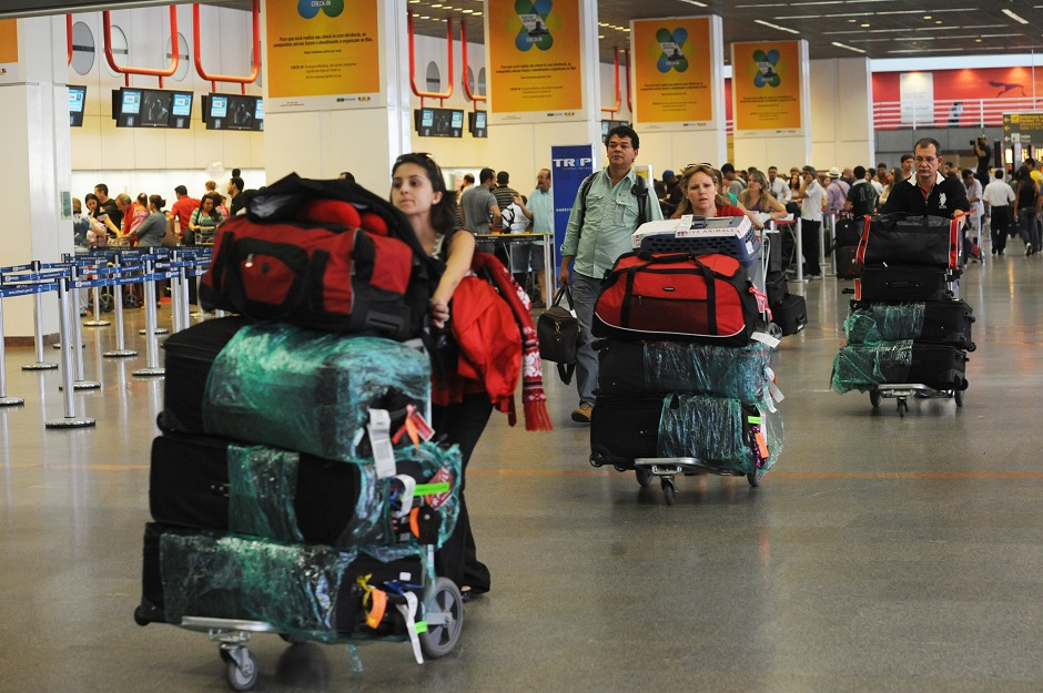 Anac diz que novas regras podem baratear preços de passagens no Brasil