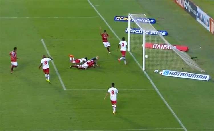 Em estreia de Jorginho, Atlético-GO bate Náutico por 2 a 0