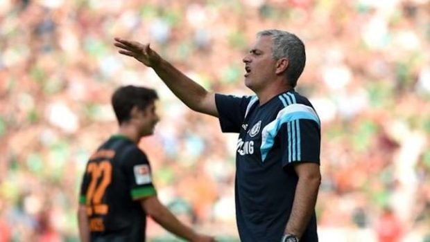 Ramires, Oscar e Willian voltam ao Chelsea após Copa