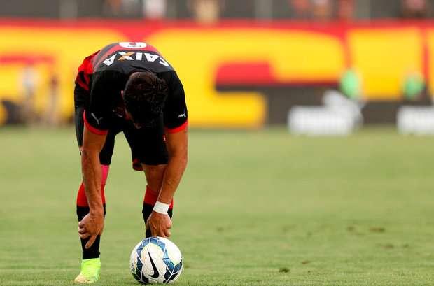 Vitória perde para o Santos em casa e cai para Série B