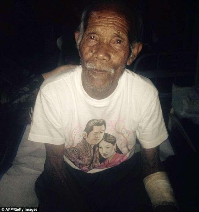 Após 7 dias, homem com mais de 100 anos é resgatado vivo de escombros no Nepal