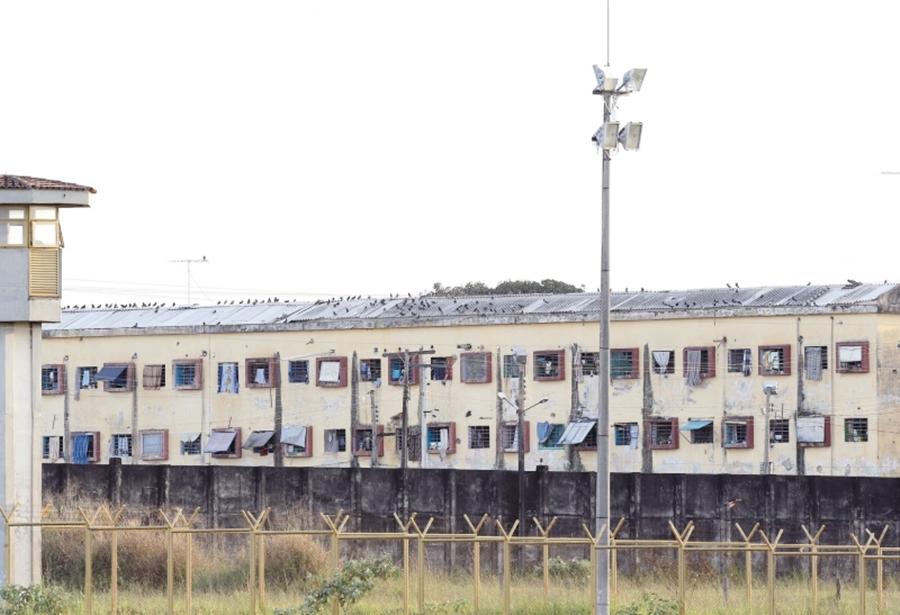 MP-GO denuncia 43 pessoas por fraudes e corrupção em presídios goianos
