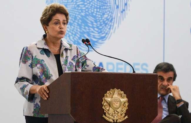 Dilma diz que internet não pode ser espaço de intolerância