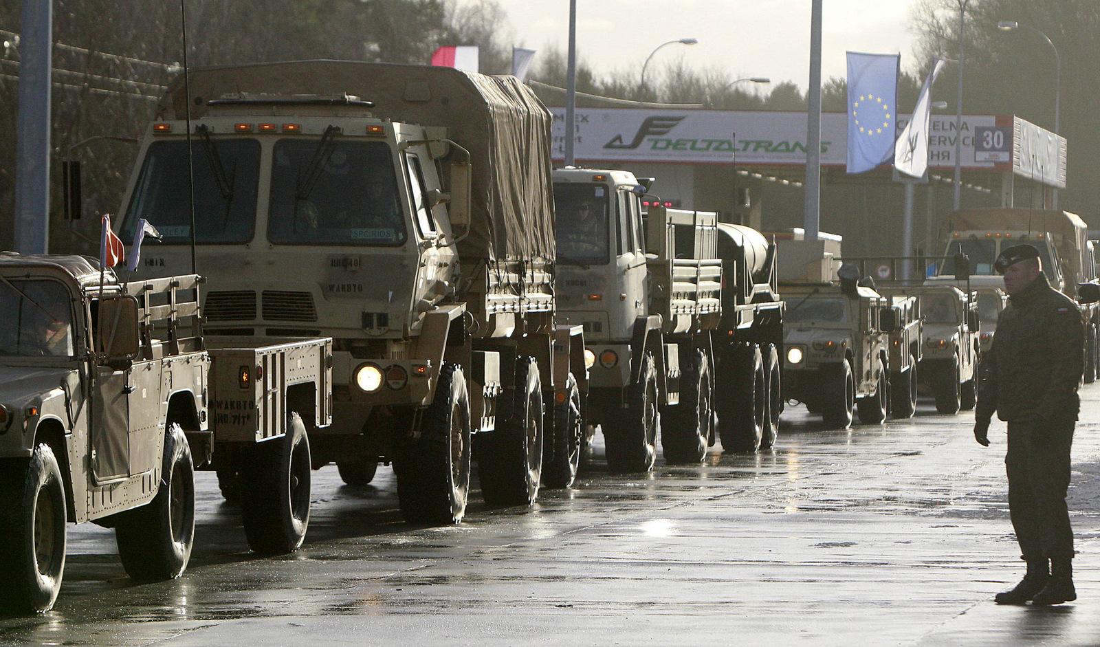Tropas americanas entram na Polônia com crescente ameaça russa na região