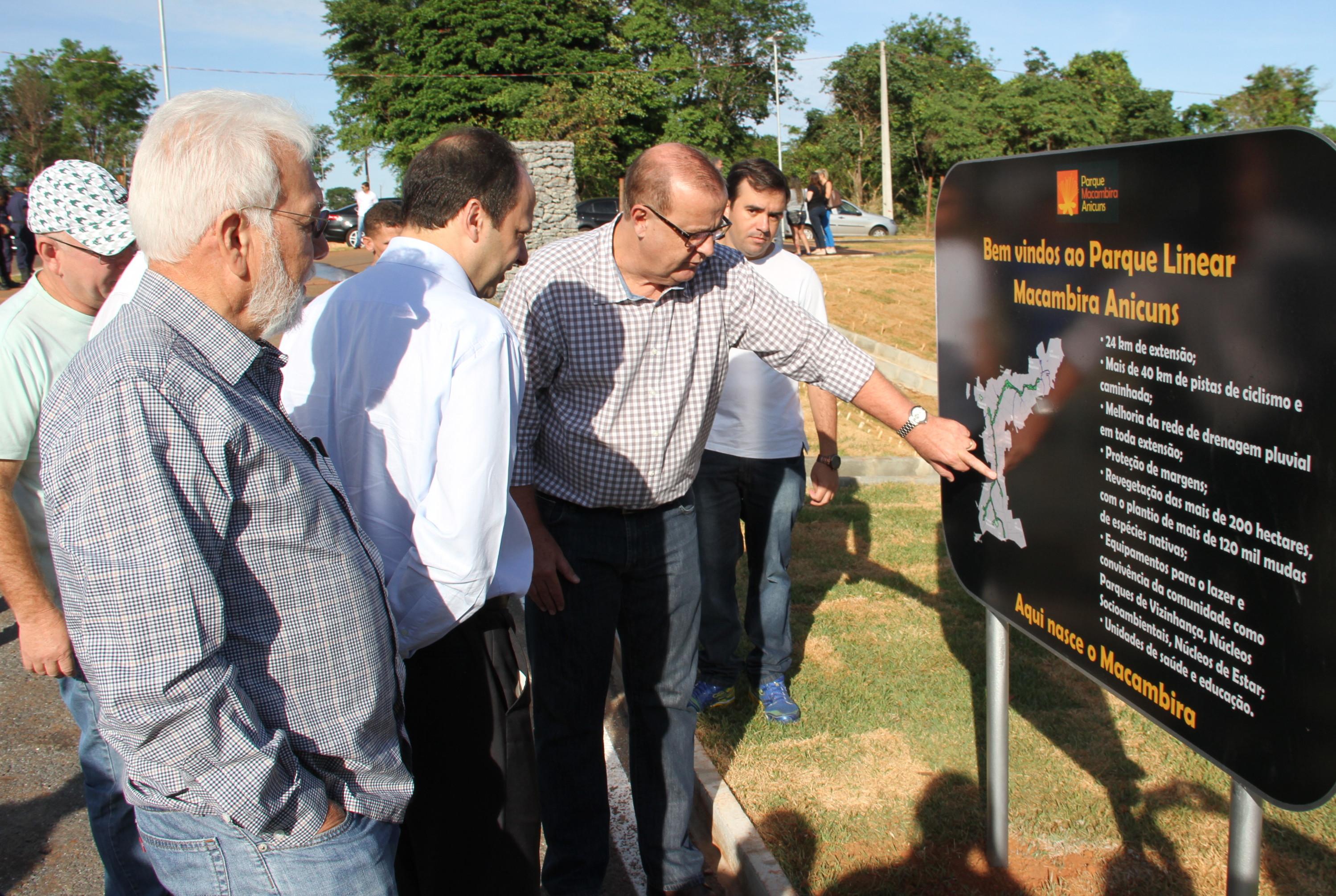 Prefeitura inaugura ecopontos, via e novo trecho do Macambira Anicuns