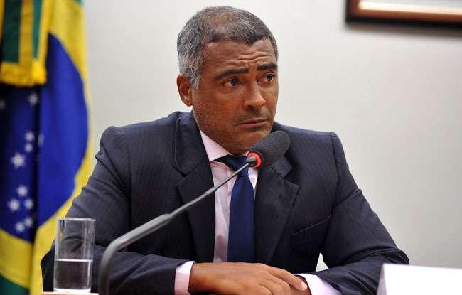 Romário grava depoimentos de apoio a Aécio