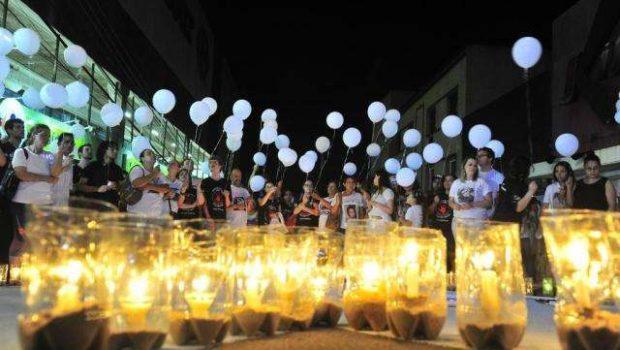 2 anos após tragédia, vítimas da boate Kiss são homenageadas