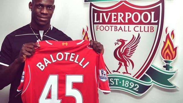 Liverpool oficializa a contratação do italiano Balotelli