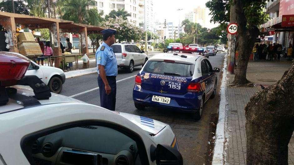 Três homens são presos após assalto em comércio na Avenida Goiás, no Centro de Goiânia