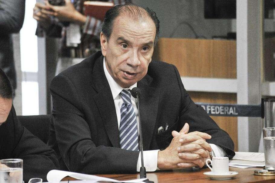 Temer escolhe Aloysio Nunes para liderar governo no Senado