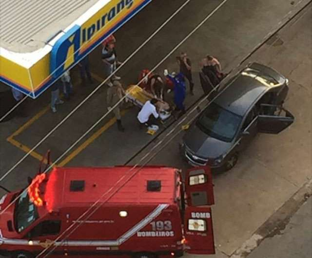 Criança de 9 anos é atingida por disparos de arma de fogo dentro de carro