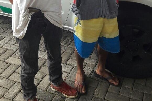Dupla suspeita de cometer roubos na região do Setor Faiçalville é detida pela PM