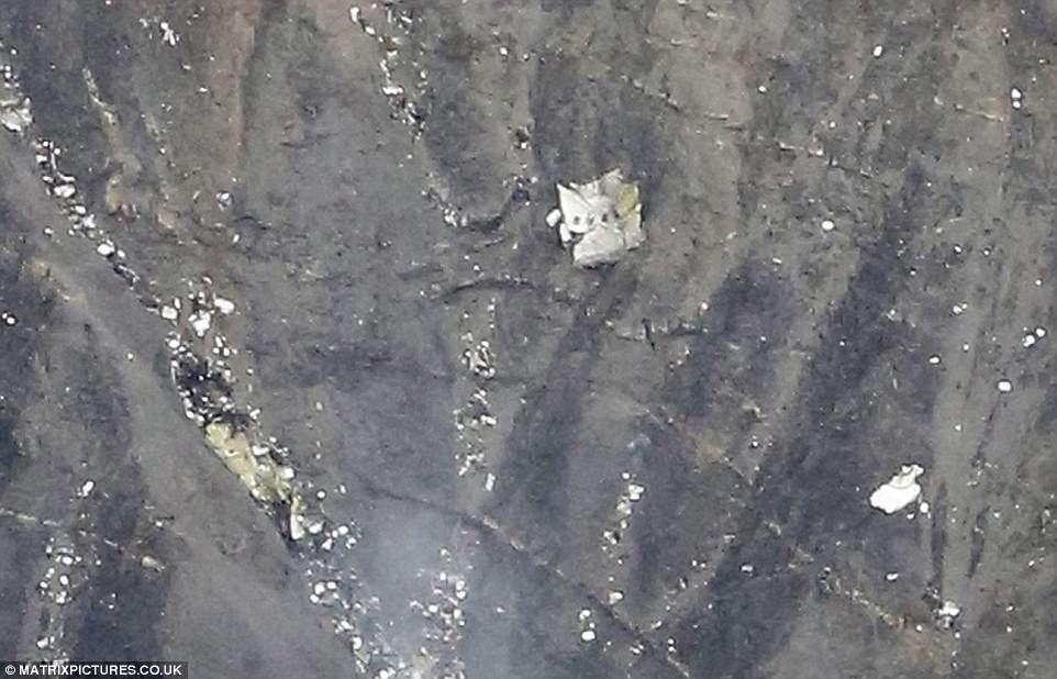 Avião que caiu nos Alpes franceses transportava 67 alemães, diz companhia aérea