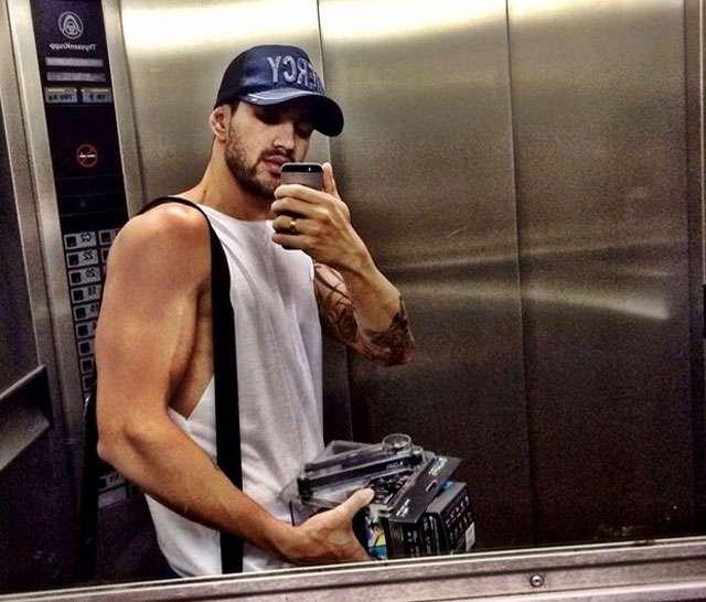Gusttavo Lima mostra para os seus fãs resultado da musculação