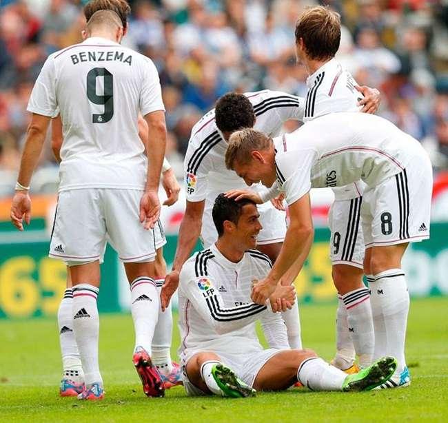 Real Madrid massacra e faz 8 no Deportivo no Espanhol