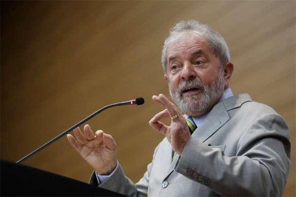 Em depoimento à PF, Lula critica Lava Jato e admite amizade com Bumlai