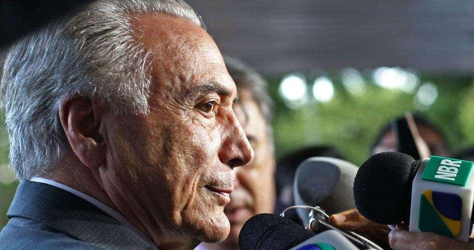 """Michel Temer chama de """"mentira rasteira"""" boatos sobre fim do Bolsa Família"""
