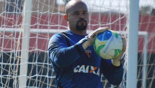 Márcio destaca força do elenco para se manter na briga por acesso