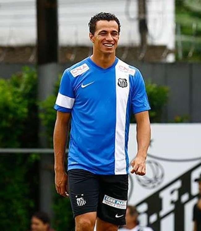 Enderson Moreira escala Leandro Damião como titular