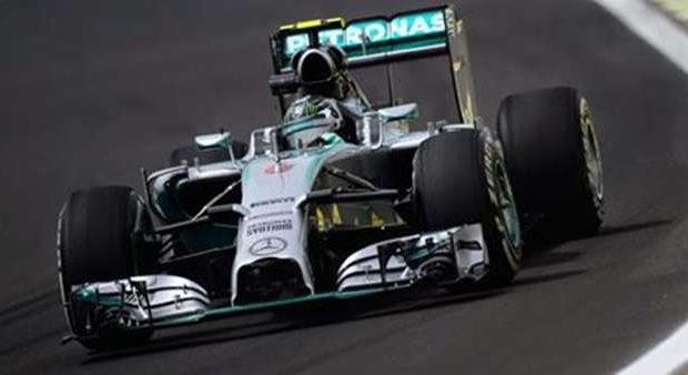 Rosberg lidera e bate Hamilton no 1º treino; Massa é 5º