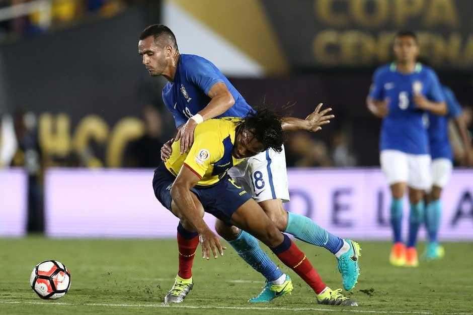 Brasil só empata com o Equador na estreia na Copa América