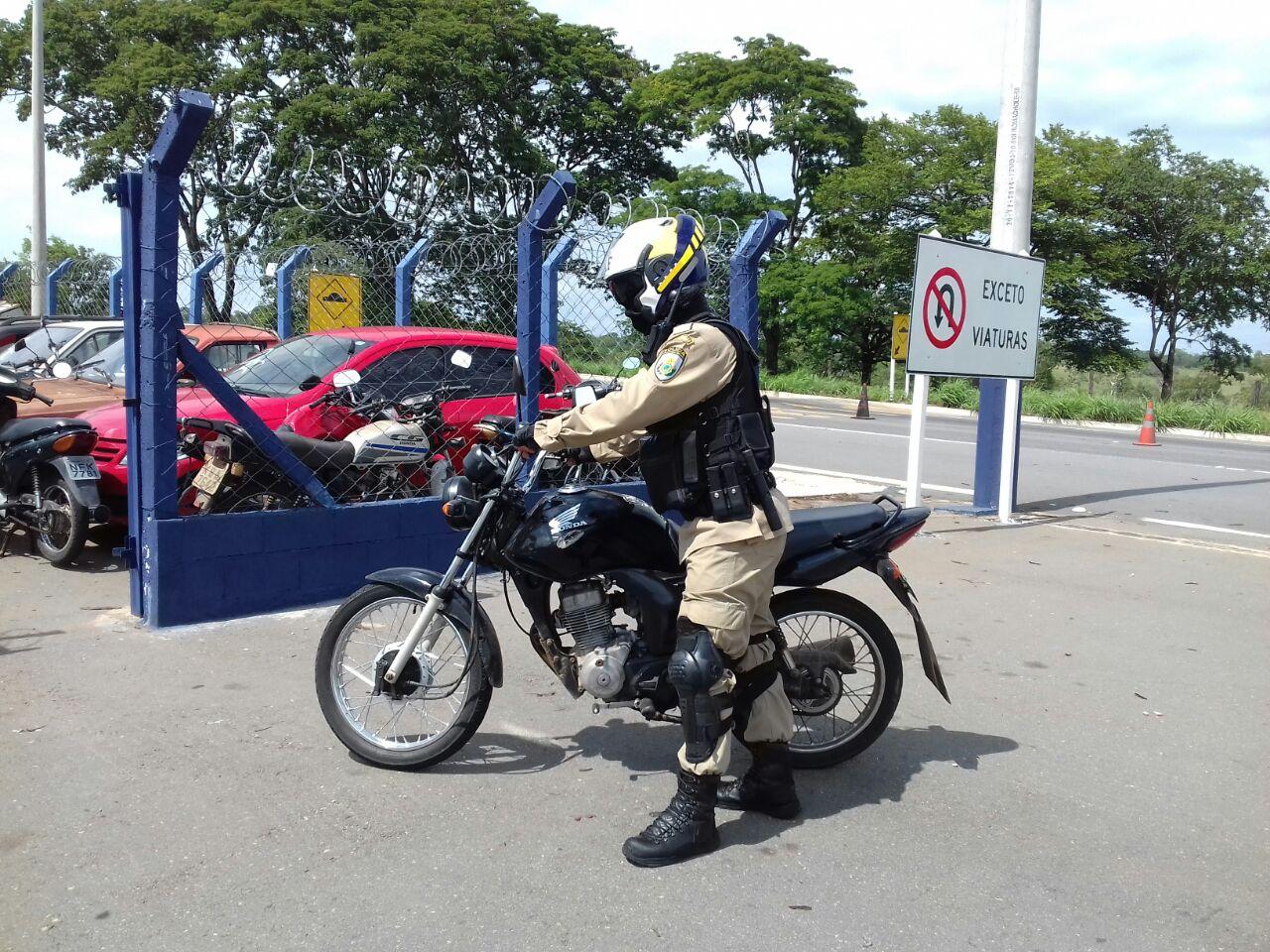 Motocicleta com 85 registros de infrações é apreendida em Aparecida de Goiânia
