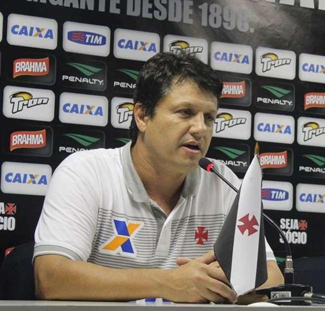 Vasco perde em casa por 5 a 0 para Avaí e técnico pede demissão