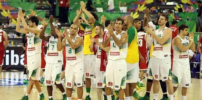Brasil sofre, mas vence Sérvia no Mundial de Basquete