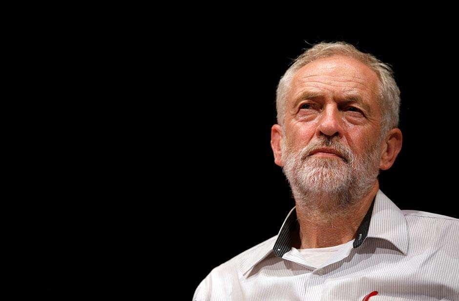 Aumenta pressão por saída de líder do Partido Trabalhista do Reino Unido