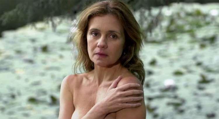 Adriana Esteves confessa que se sentiu à vontade para fazer cenas de nudez em 'Real Beleza'