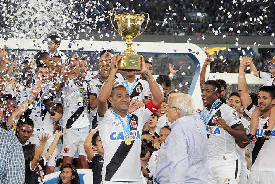 Vasco empata com Botafogo e conquista bicampeonato Carioca