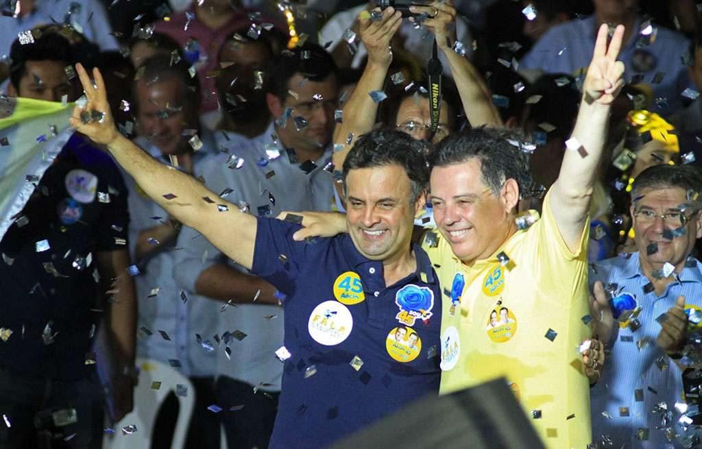Marconi Perillo e Aécio Neves fazem campanha em Goiânia