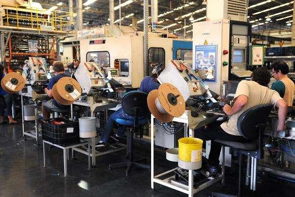 Brasil perde 533 mil postos de trabalho em um ano, diz IBGE