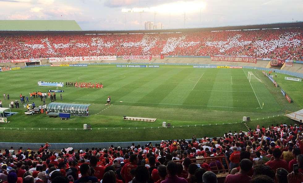 AO VIVO: Com o Serra Dourada lotado, Vila Nova enfrenta o Londrina