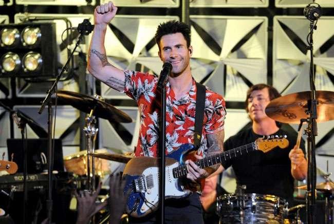"""Maroon 5 divulga a música 'It's Always You' que faz parte do álbum """"V"""""""