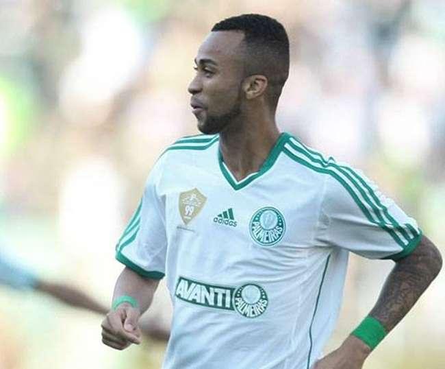 Wesley sofre lesão e desfalca Palmeiras por 3 semanas