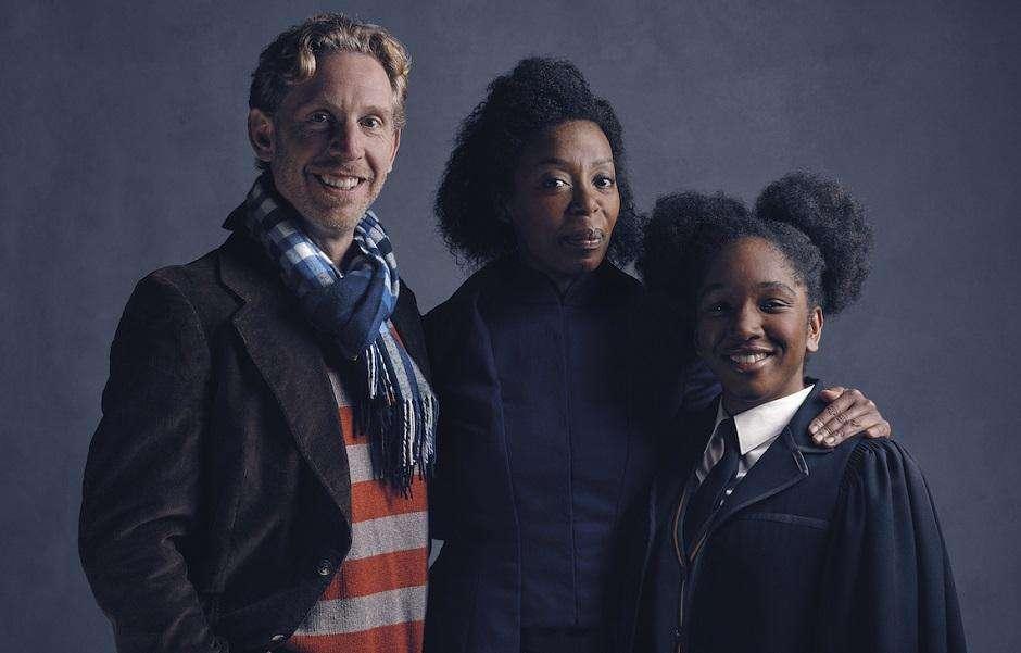 Divulgada imagens de Hermione e Rony em nova peça