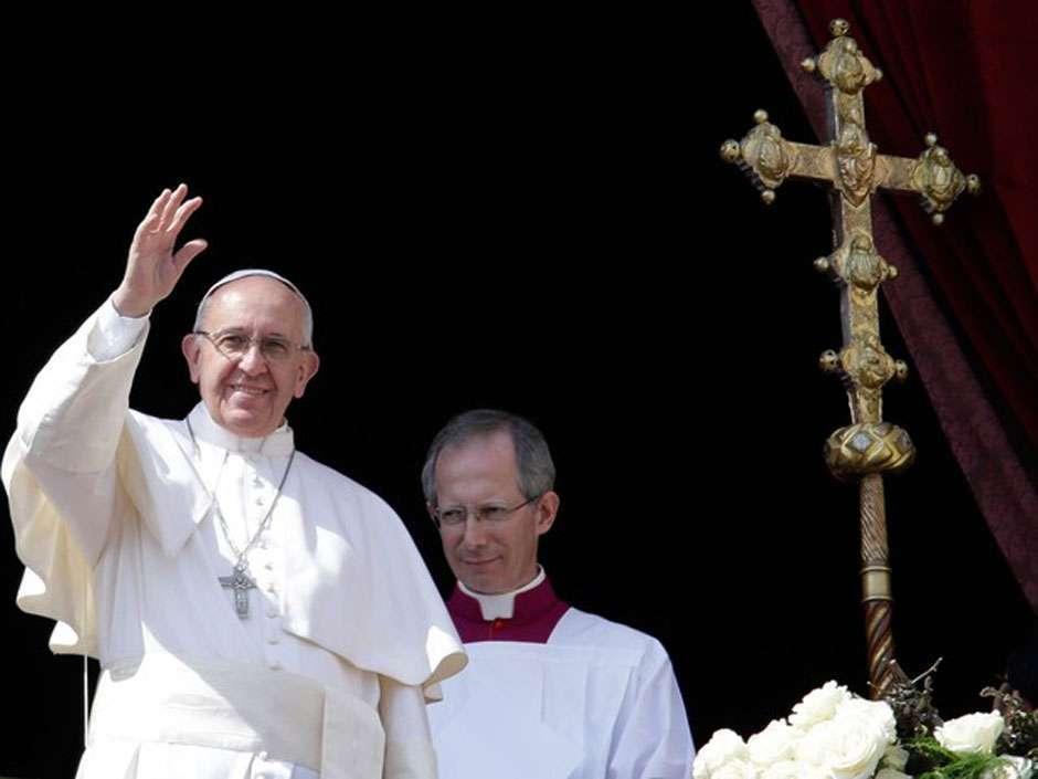 """Papa Francisco critica """"rejeição"""" a refugiados na Europa"""