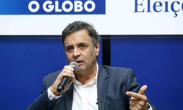 Aécio defende fim da reeleição instituída no governo FH