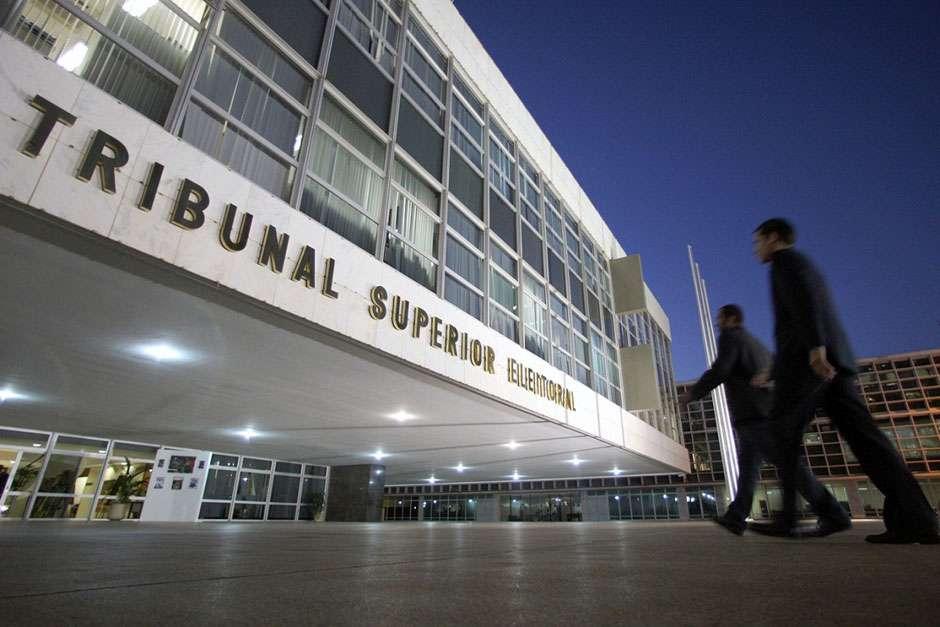 PDT pede anulação das eleições e cassação da candidatura de Bolsonaro