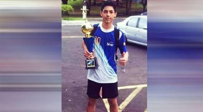Atleta de 17 anos morre após contusão em partida de handebol em Trindade