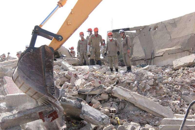 Morre bebê retirado de escombros de prédio em Aracaju